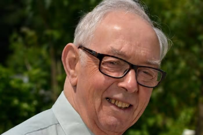 Mr Bob Donnison: 1939-2020